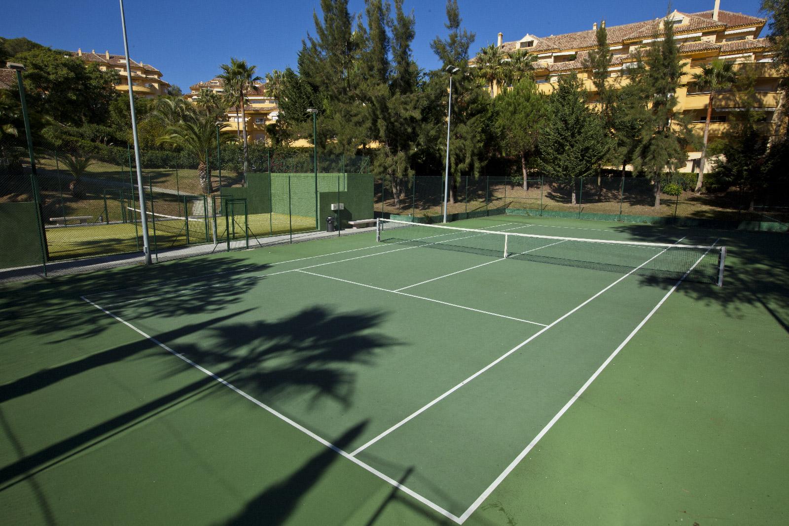 b21b22d8b86 Pista de tennis ...